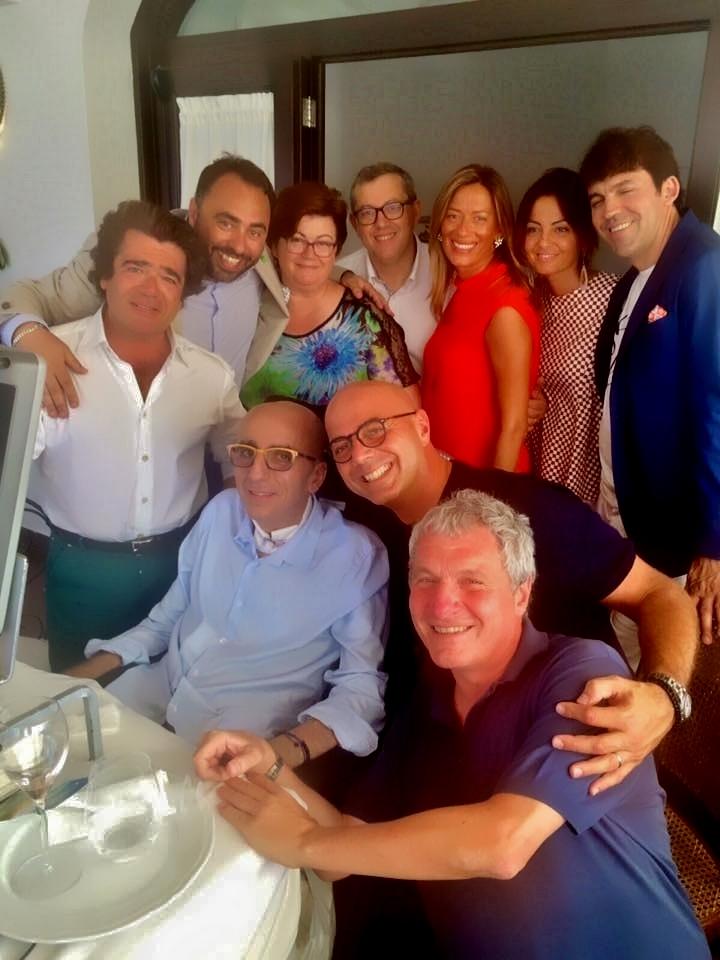 foto di gruppo Il pranzo Possibile Polignano