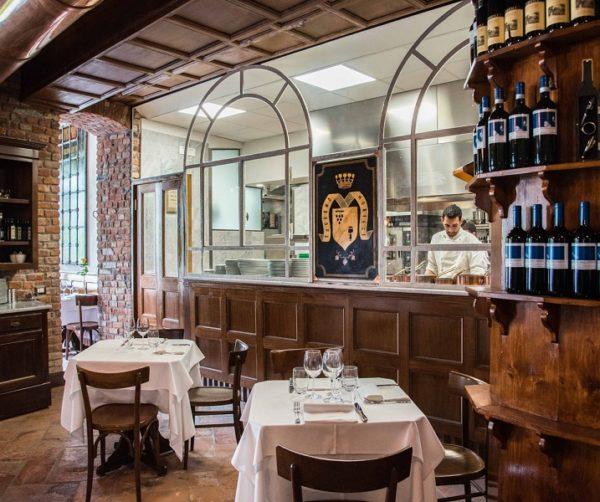 Giovani under 30 riaprono al pubblico la Taverna Moriggi di Milano