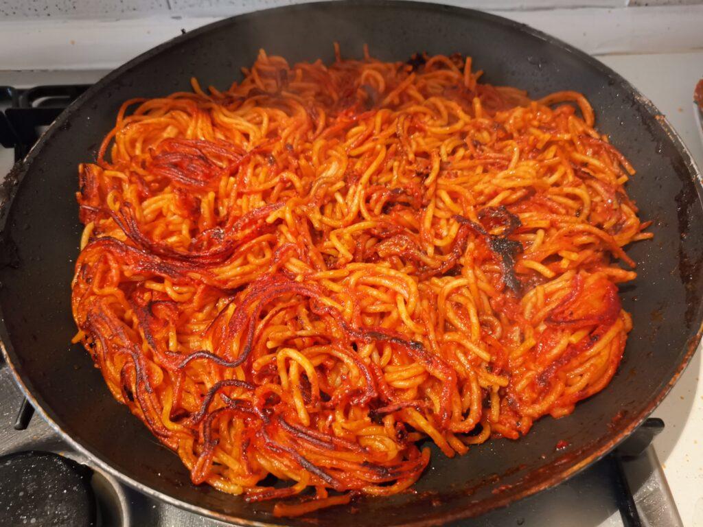 bruciacchiatura finale degli spaghetti