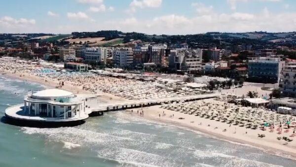 senigallia-mare rotonda spiaggia vacanza estate 2020 chef stellati