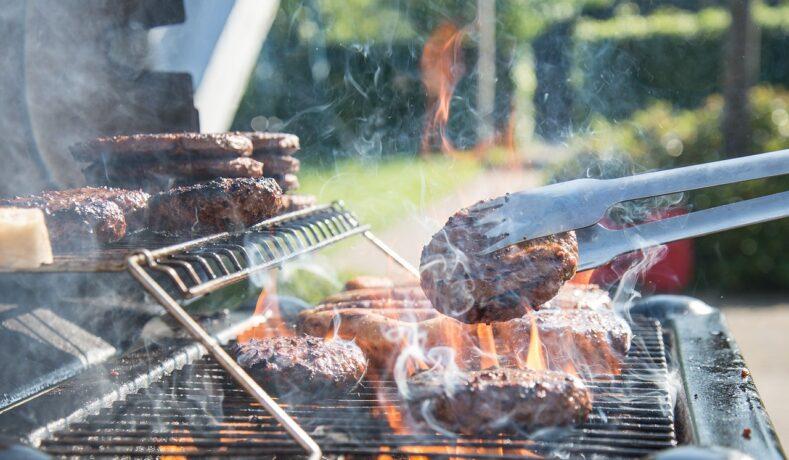 I segreti per il perfetto barbecue all'aperto nella tua cucina outdoor
